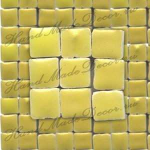 Мозаика керамическая глазурованная мини Rayher, 5х5х3 мм, упаковка ок.100 шт.,цвет 160 лимон  ― HandMadeDecor